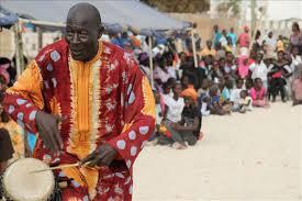 Guewel, griot, communicateur, chanteur, musique, histoire, tradition, coutumes, homme, femme, LEUKSENEGAL, Dakar, Sénégal, Afrique