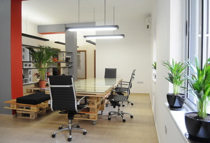 Office Furniture Made With Wooden Pallets 7