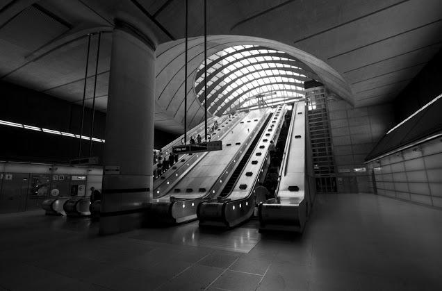 Canary wharf-Stazione della metropolitana-Londra