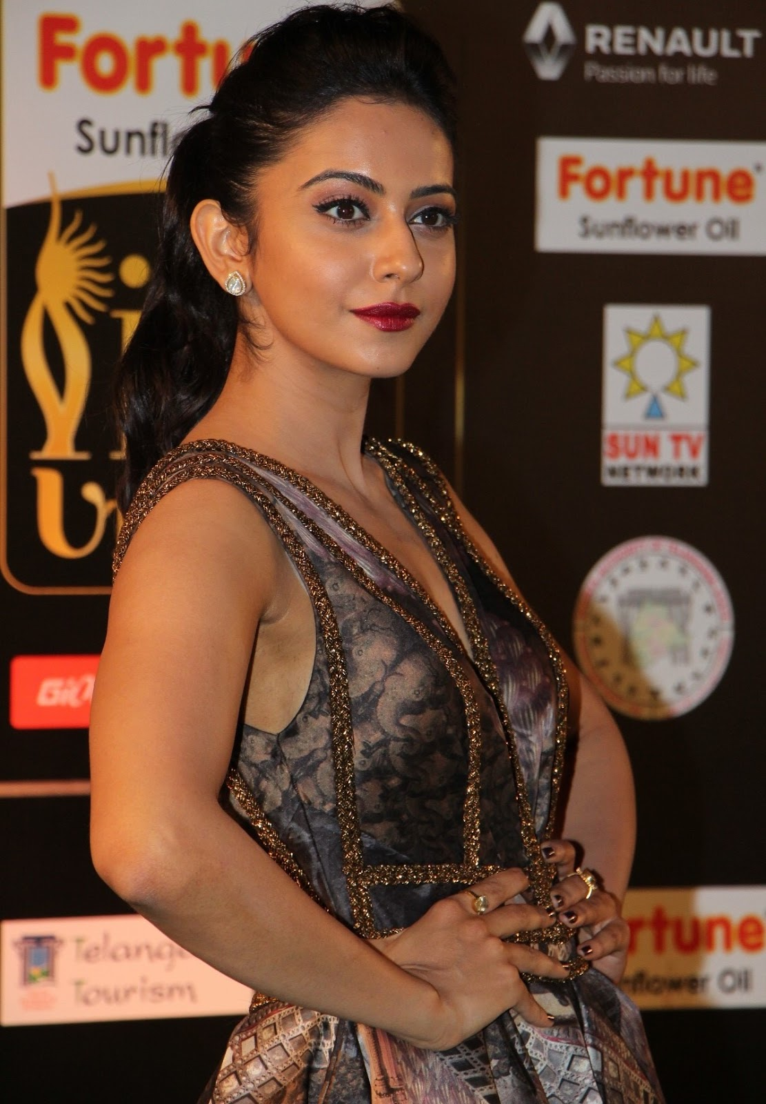 Rakul Preet Singh Hot Stills At Iifa Utsavam 2016