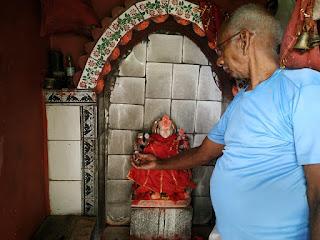 अराजक तत्वों ने दुर्गा प्रतिमा का तोड़ा हाथ, ग्रामीण आक्रोशित | #NayaSabera