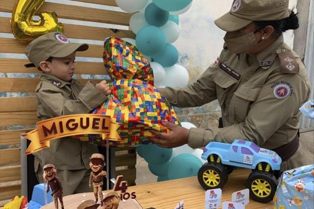 Polícia Militar promove aniversário de criança no Sudoeste da Bahia