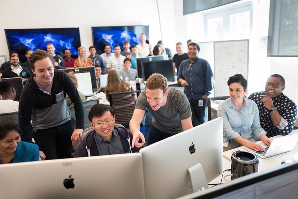 فيسبوك تفرض إجراء مهم بعد عودة موظفيها للمكاتب