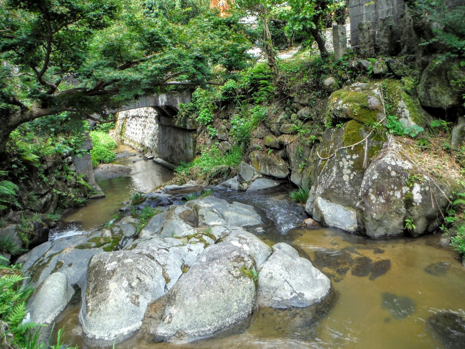 生駒山口神社の禊ぎ場(生駒郡平...