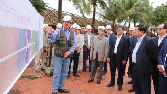 Những người tiếp xúc Bộ trưởng Nguyễn Chí Dũng ngày 6/3 ở Nghệ An phải cách ly, tin mật đã...