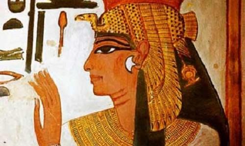 المرأة الفرعونية عشقت الجمال واول من اكتشفت فن التجميل واستخدمت العديد من المستحضرات لابراز جمال الوجه