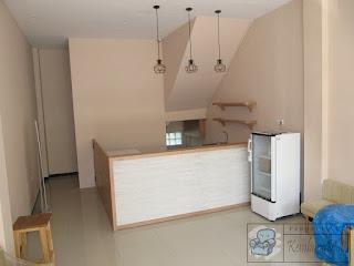 Sofa, Minibar, Meja Kasir Untuk Vape Store ( Furniture Semarang )