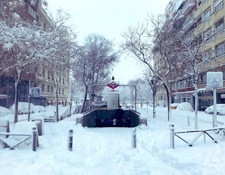 Ιστορικός χιονιάς πλήττει την Μαδρίτη (photo&video)