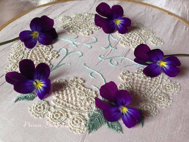 Вышиваю цветы