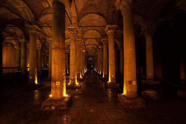 Basilica cisterna (Yerebatan Sarnici)-Istanbul