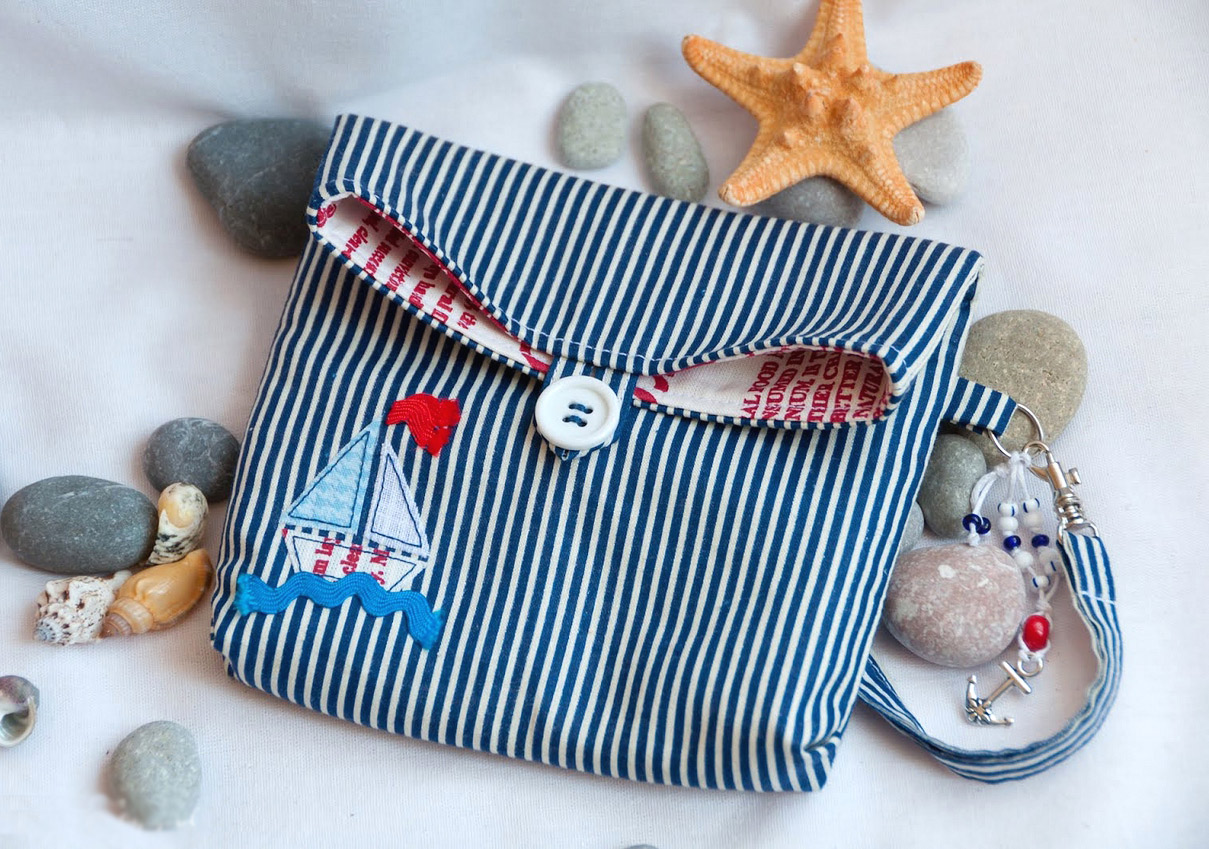 Cosmetic bag in marine style. DIY Tutorial with Photos.