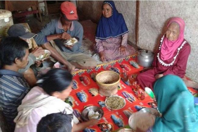 Ngeri, 3 Keluarga ini Jadikan Kulit Singkong Sebagai Lauk-pauk