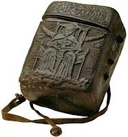 Estuche medieval para libro, realizado con cuero hervido