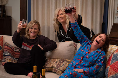 "Amy Poehler, Rachel Dratch, and Paula Pell drinking wine in Netflix's ""Wine Country"""