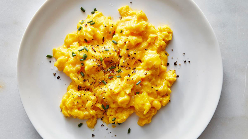 This Is the Best Way to Make Scrambled Eggs