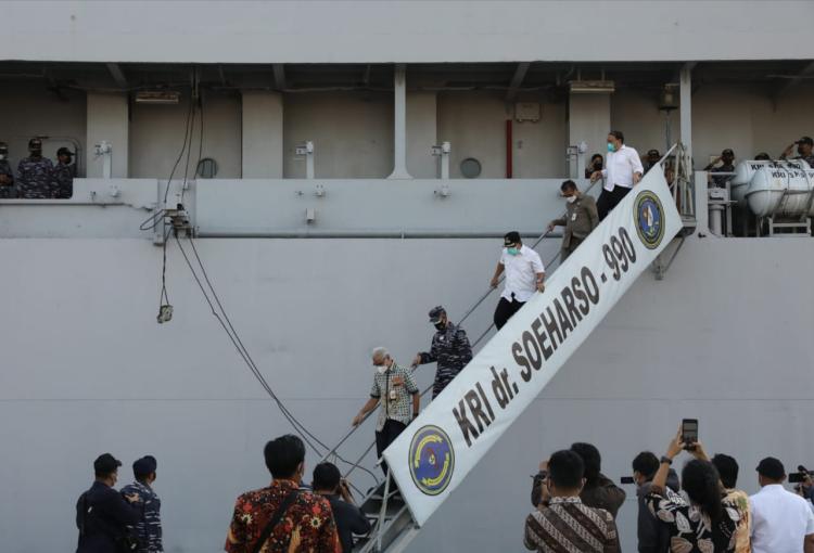 KRI dr Soeharso Bantu Suplai 150.000 liter Oksigen RS di Jawa Tengah