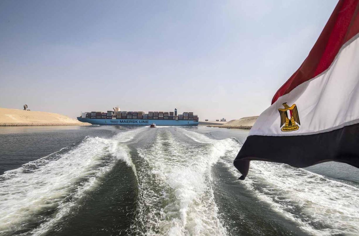 مصر تبدأ بتوسيع الجزء الجنوبي من قناة السويس