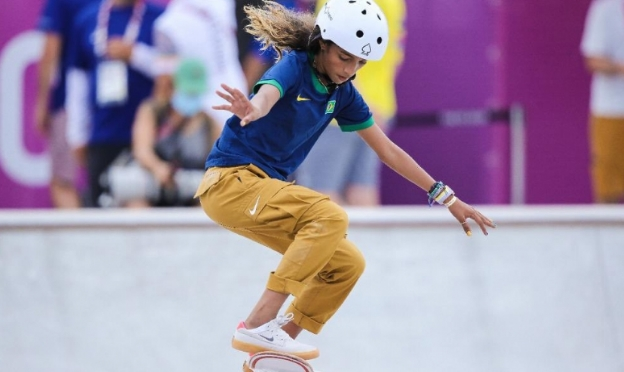 Rayssa Leal conquista a prata no skate street feminino