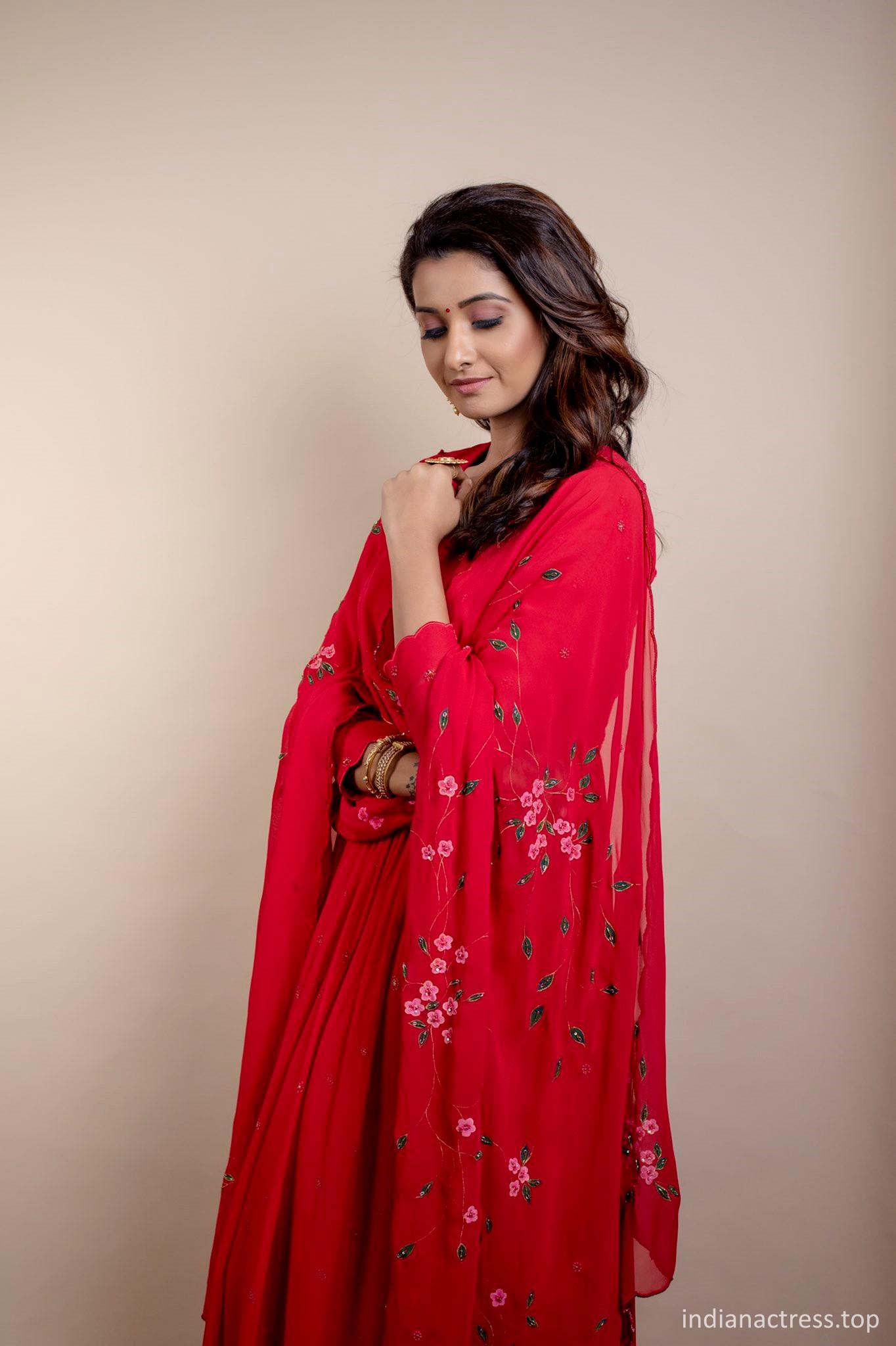 Priya Bhavani Shankar Latest PICS, Priya Bhavani Shankar latest red saree pics, Priya Bhavani Shankar hot red saree