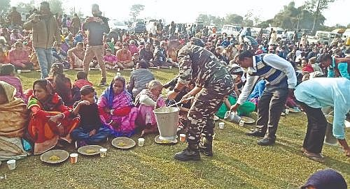 Thousands relish Christmas feast in Darjeeling