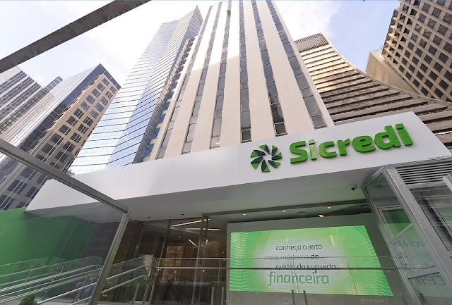 Sicredi figura entre as '10 Maiores do País' em finanças do Valor 1000
