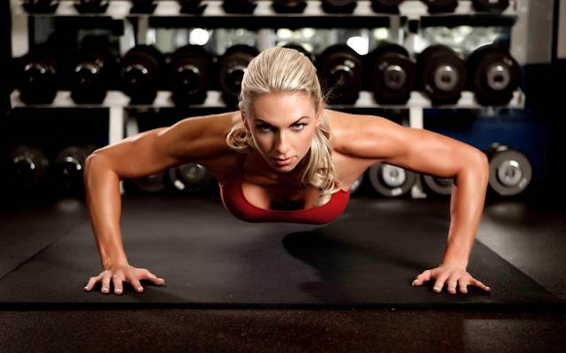 Göğüsleri Sıkılaştıran En Etkili 7 Egzersiz