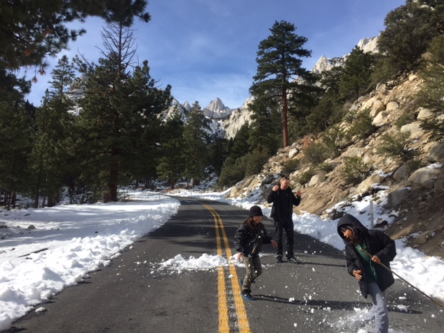 Mathew-Curran-Ziggy-Rocket-Jo-Snow-fight-mount-whitney-Trail