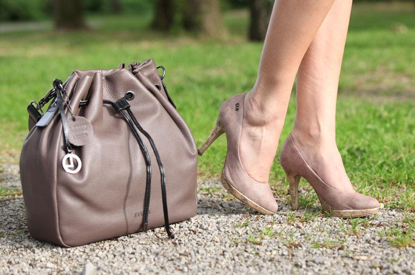 Peter Hahn klassische Bluse mit Bleistiftrock Details Tasche Schuhe