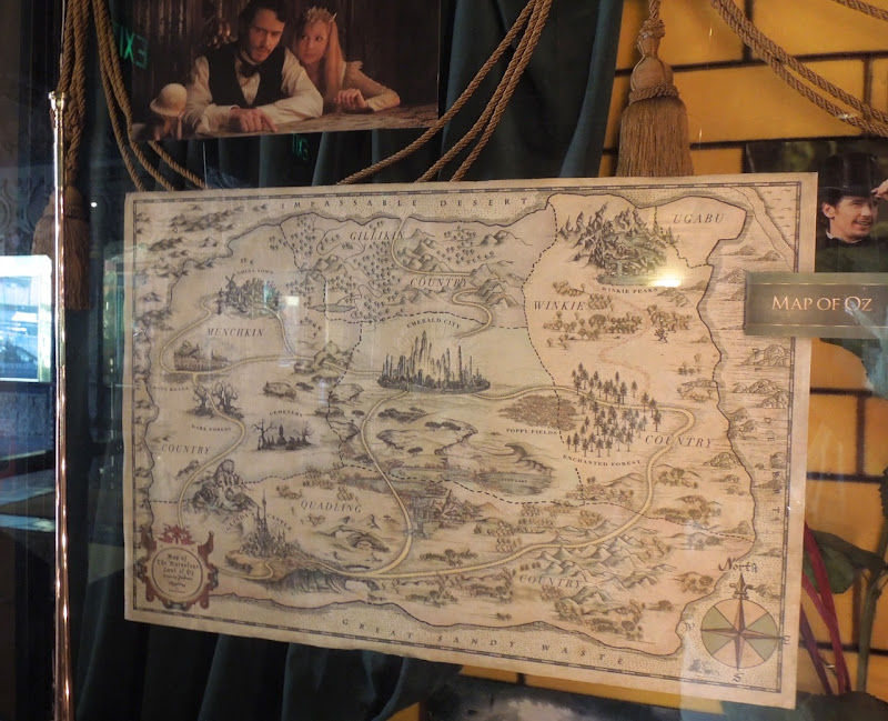 Map of Oz prop