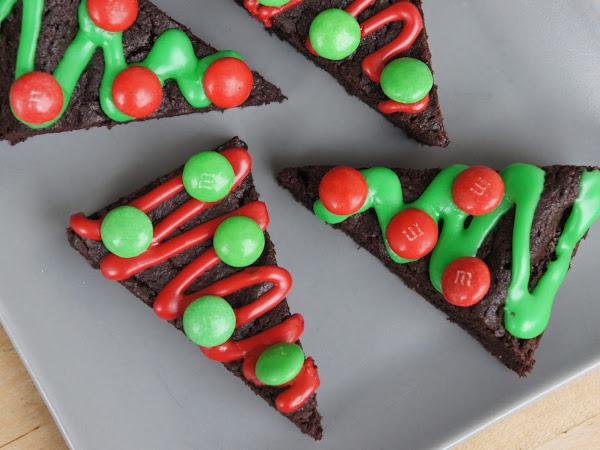 REZEPT: glutenfreie Weihnachtsbaum-Brownies
