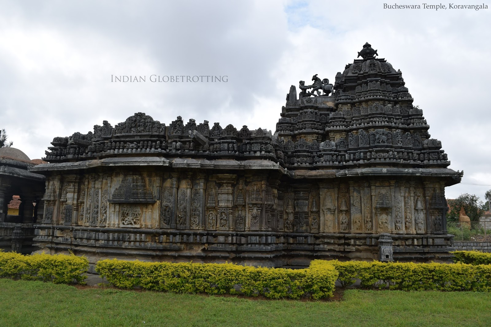 Side view of the Bucheswara temple in Koravnagala