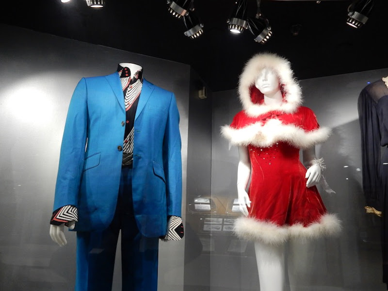 Love Actually film costumes