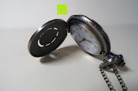 """innen gewölbt: AWStech Vintage """"one piece"""" Schädel Skelett Skull Quarz Tachenuhr Pocket Watch mit Halskette, Big Size, Beste Willkommen Geschenk"""