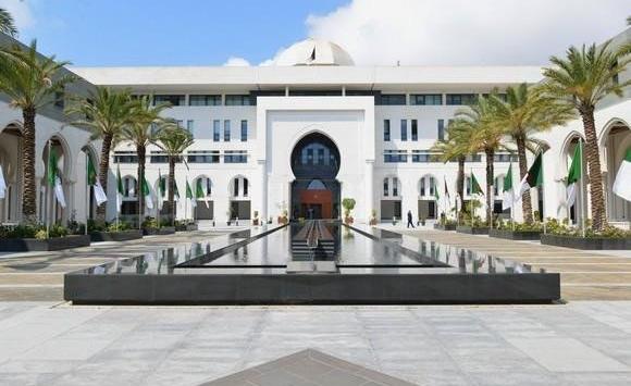 الخارجية الجزائرية تنفي المعلومات المغلوطة بشأن حظر الإمارات تأشيرة دخول أراضيها على الجزائريين
