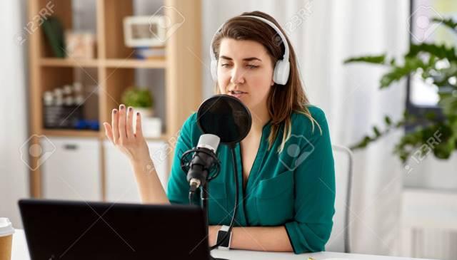 Pengertian Podcast dan Perbedaannya dengan Radio