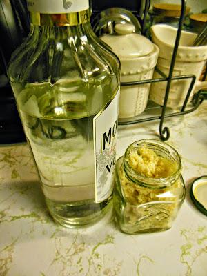 How to make 2 Ingredient Garlic in a Jar.