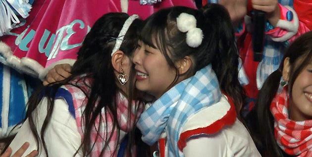 http://akb48-daily.blogspot.com/2016/09/ske48-star-studded-farewell-for-miyamae.html