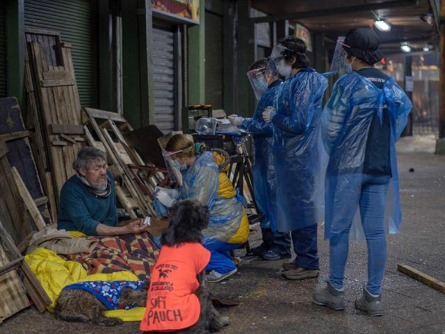 """Rechazo social """"protege"""" de contagios de la COVID-19 a personas en situación de calle"""