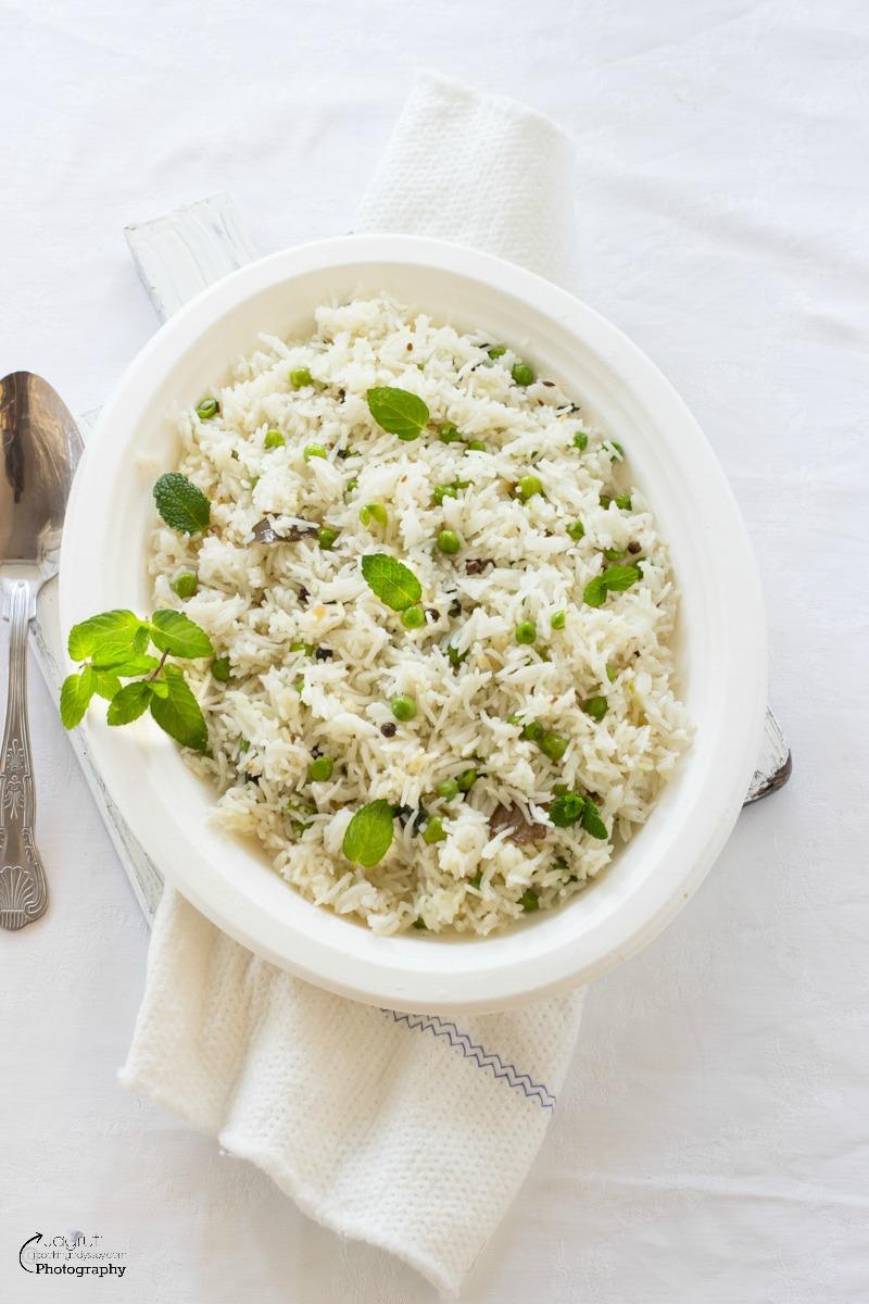 ... : Green Peas and Mint Rice - Pilaf - Pulao - Vatana Phudina Pulao