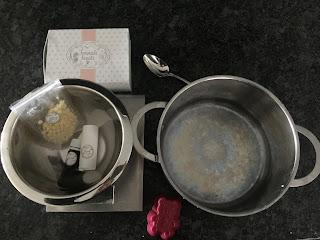 Ustensiles et ingrédients pour la fabrication du baume solide cacao noisette