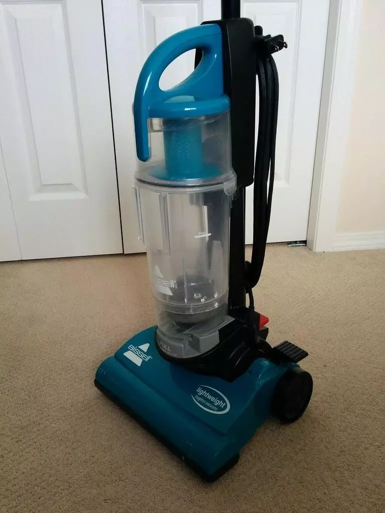 vacuum for a small apartment