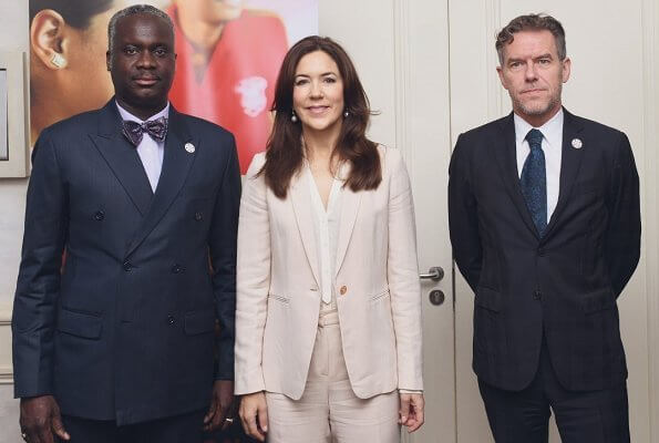 Crown Princess Mary wore Massimo Dutti blazer and trousers, with Gianvito Rossi python pumps, carries Prada saffiano bag