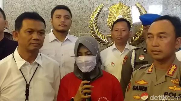 Ratapan Maaf Zikria Hina Risma Gegara Anies Di-Bully hingga Berujung Bui