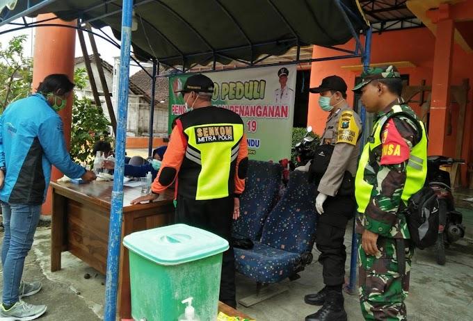 Tim Relawan Desa Siaga Covid 19 Ngrandu Bersih-Bersih Kampung