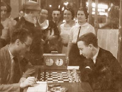 Partida de ajedrez Joaquim Calduch (negras) – Alexander Koblenz (blancas), Mollet-1935
