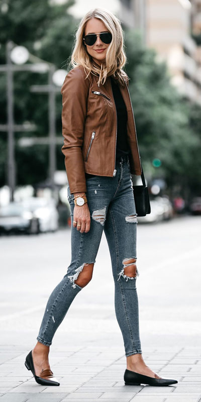 Winter is a great time to step up your personal style. See these 24 Trendy Winter Fashion Ideas for Not So Cold Days. Winter Outfit Ideas for Women via higiggle.com #winter #fashion #jacket #jeans