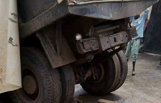 , Tragedy: Onitsha mechanic crushed to death by truck at his workshop, Latest Nigeria News, Daily Devotionals & Celebrity Gossips - Chidispalace
