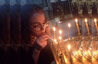 Κύπρος: Nεαρή άναψε τσιγάρο με το Άγιο Φως μέσα σε Εκκλησία