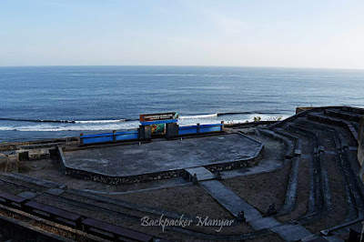 Amphitheatre Pantai Gunung Payung - Backpacker Manyar