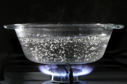 Alasan Tidak Boleh Mendidihkan Kembali Air Yang Sudah Dimasak